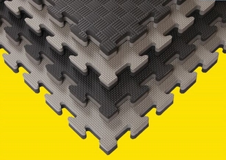 China 15mm-50mm EVA Floor Mat / Tatami Puzzle Mats Without Smell Shock Absorption supplier