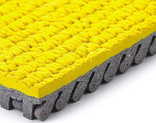 China All Weather 13mm Rubber Gym Flooring Prefabricated Athletic Running Track supplier